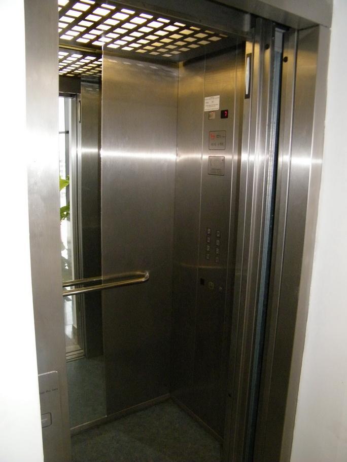 ascensor 02